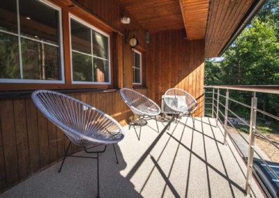 Apartmán v patře - balkon s posezením